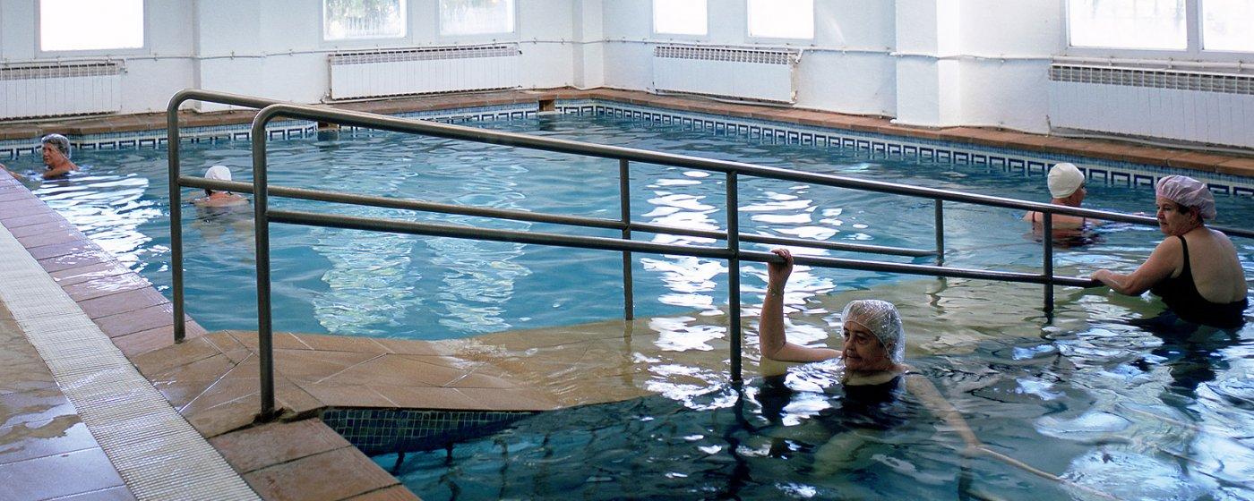 Baños Arabes Nudistas:Home » Cosas que hacer » Salud y bienestar » Balneario de Alicún