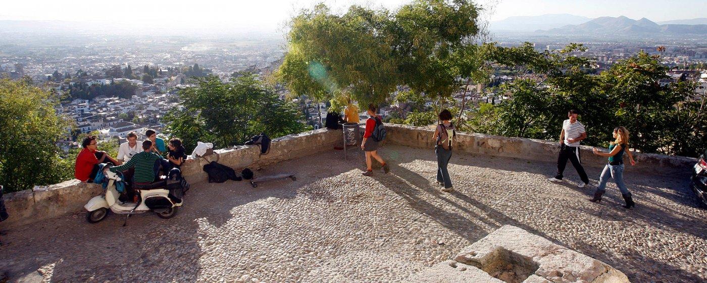 Baño Arabe Granada San Miguel: arte y cultura » Miradores de Granada » Mirador de San Miguel Alto