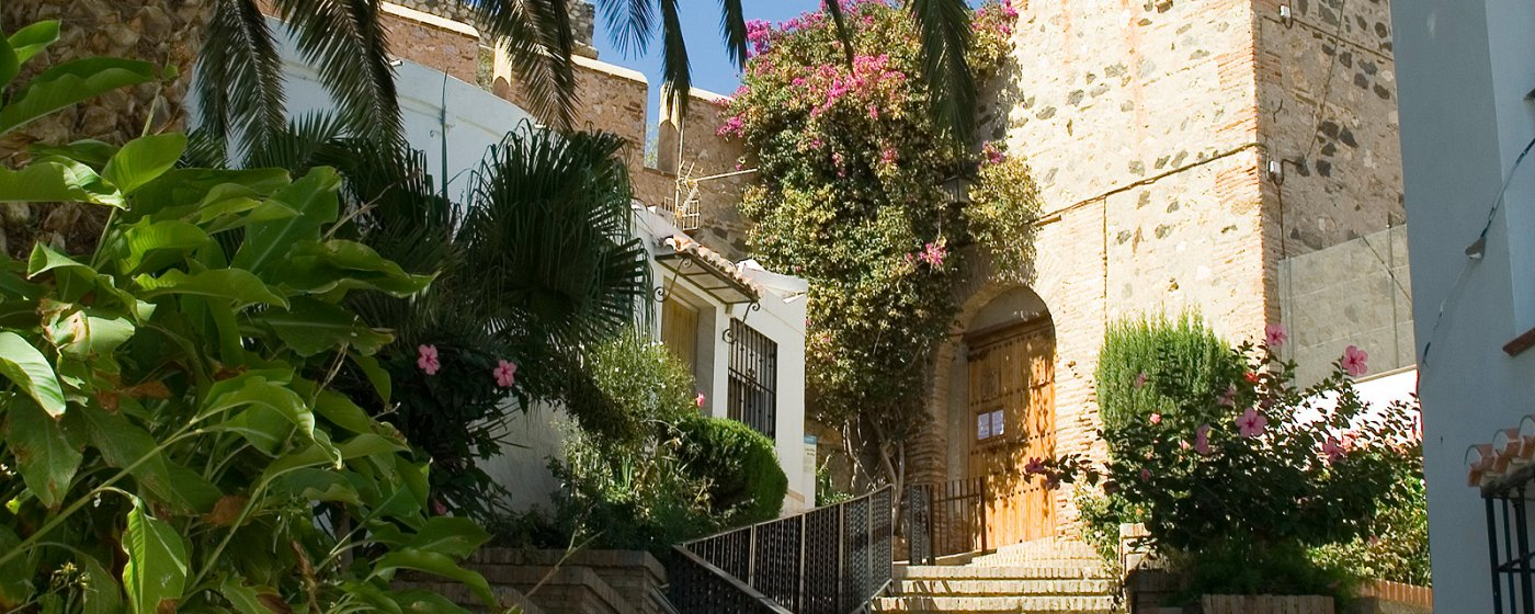 Baños Arabes Nudistas:Salobreña Turismo de Granada