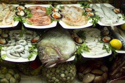 Restaurante el barco de la pescadora granada patronato - Cocinas el barco granada ...
