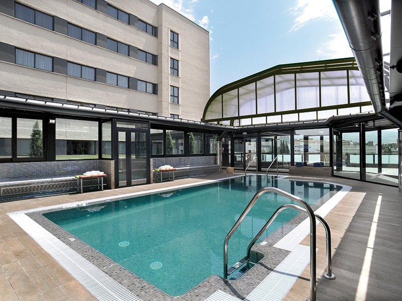 Gran hotel luna de granada alojamientos en granada for Hotel granada piscina